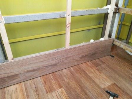 Отделка ламинатом пола на балконе или лоджии