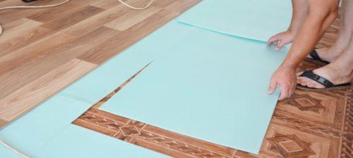 Процесс укладки листовой подложки