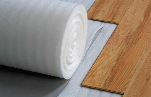 Уложенная подкладка под ламинатом